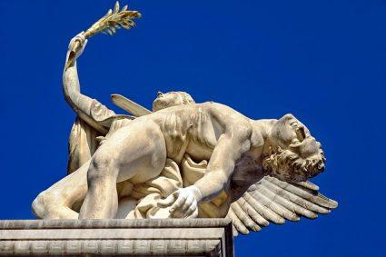 Faire une petite visite pour la découverte d'Hermès de Praxitèle lors de votre voyage en Grèce